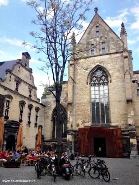 Librărie din biserică Maastricht