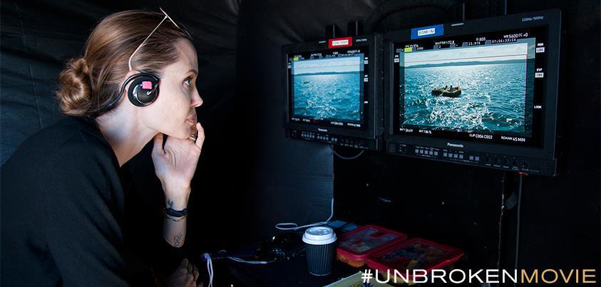 """Angelina Jolie regizeaza filmul """"Unbroken"""""""